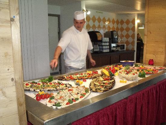 Hotel Club du Soleil Les Bergers : buffet