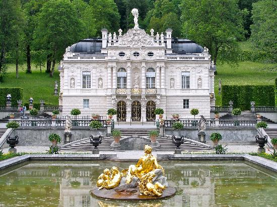 Small palace IN THE MOUNTAIN - Picture of Linderhof Palace, Ettal ...