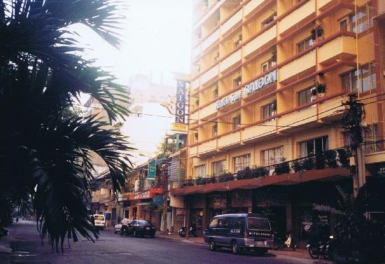 Saigon Hotel: ホテル正面