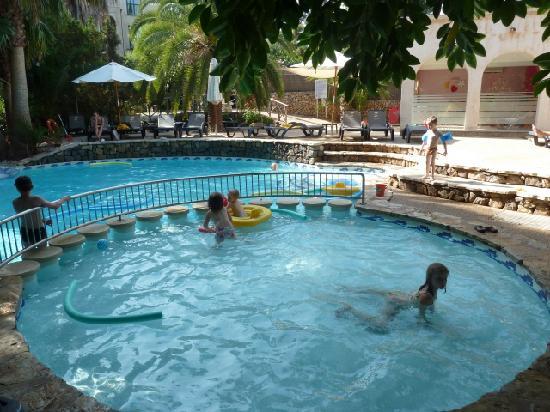 Lago Garden Hotel: mini club swimming pool