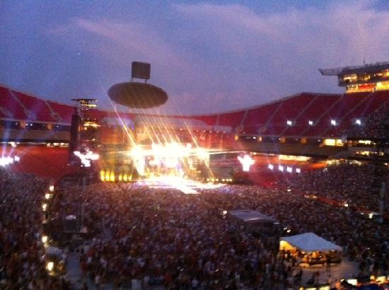 Arrowhead Stadium: amazing show and lighting