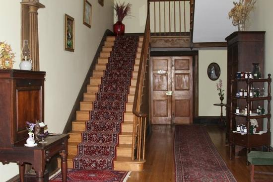 Smithfield Farm Bed and Breakfast : The Foyer