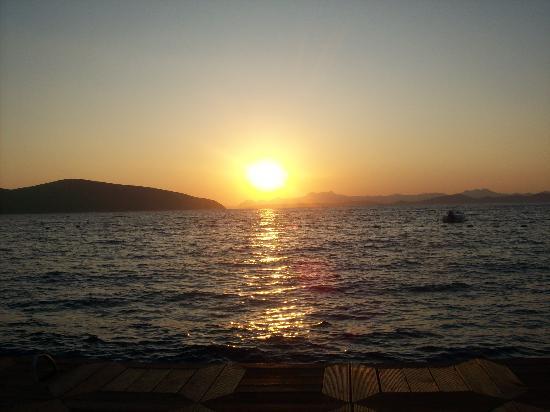 Ersan Resort & Spa: Vieuw from the sun at the beach