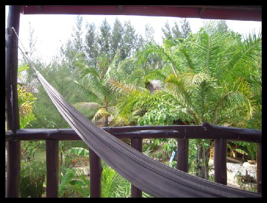 Leaf House Bungalow: Balkon