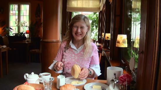 Hotel Heintz Vianden, Marian aan de ontbijttafel.