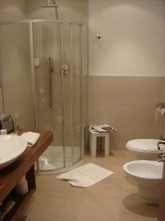 Anatol Hotel: junior suite bagno