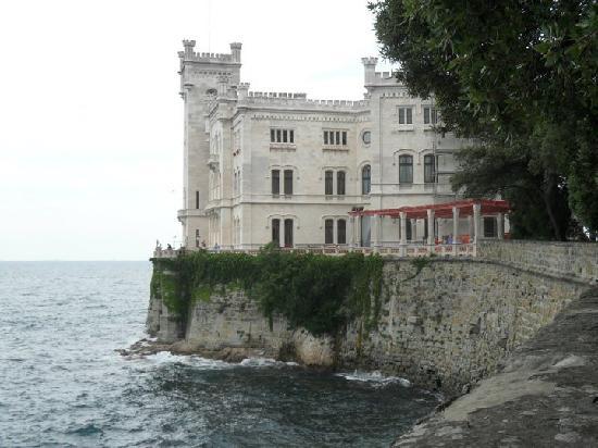 Museo Storico del Castello di Miramare: Miramare Castle from the path up to it