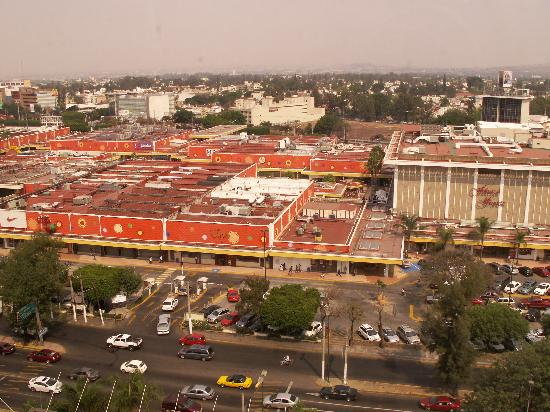 Presidente InterContinental Guadalajara : plaza del sol view