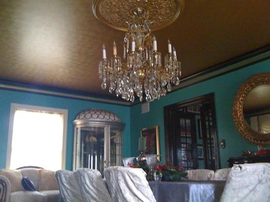 Beautiful Pictures Of Chandeliers beautiful chandeliers16 Bogarts Casa Blanca One Of The Many Beautiful Chandeliers
