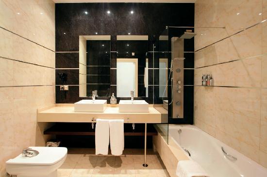 Apartamentos Pierre & Vacances Cala Cristal: Bathroom