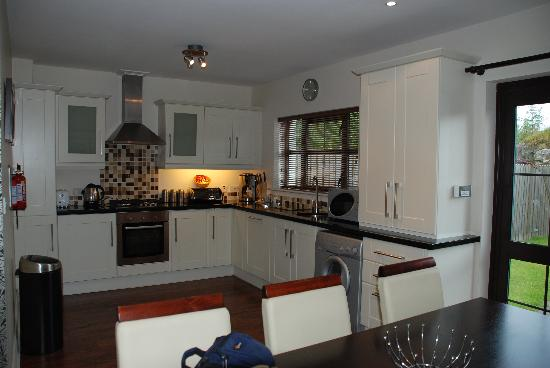 Kenmare Bay Holiday Homes & Lodges: Lovely Kitchen