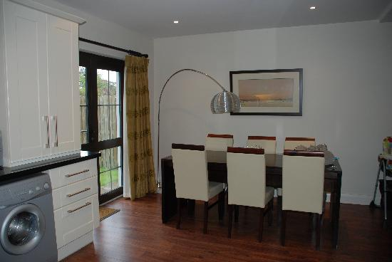 Kenmare Bay Holiday Homes & Lodges: Dining Area