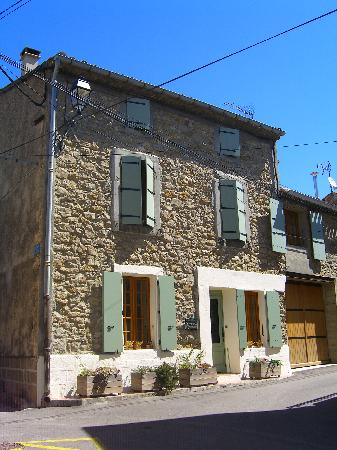 L'Ancienne Vigneronne: front of the B&B