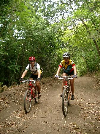 Bike Arenal: Bikers in Guanacaste
