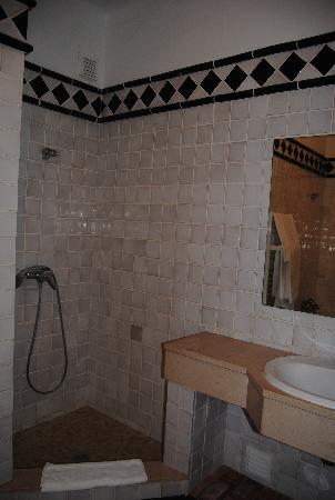 Porto Dona Maria Resort: Ducha