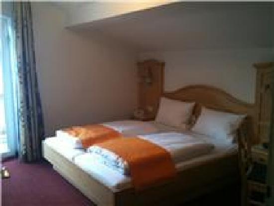 Alpenhotel Rieger: Bedroom has Balcony