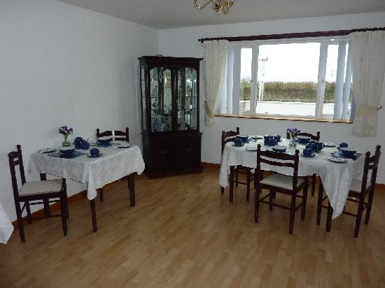 Inishowen Guest House: Guest breakfast room