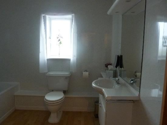 Inishowen Guest House: Double ensuite bathroom