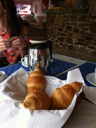 Hotel l'Amphore de l'Escalet: Enjoy the croissants, they cost 3 Euro each.