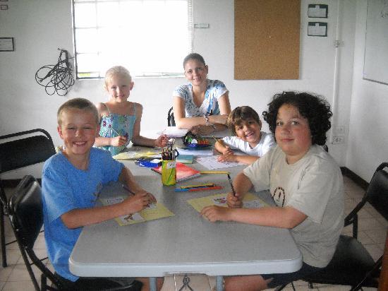 Academia de Espanol D'Amore: Spanish for kids