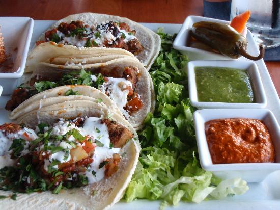 Mucho : steak tacos
