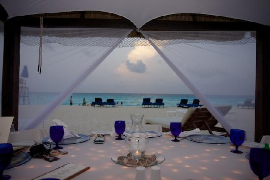 The Ritz-Carlton, Cancun: Dinner on the beach