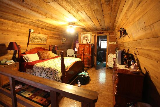 The Smoakhouse Ranch: The Upstairs Loft/Master Bedroom
