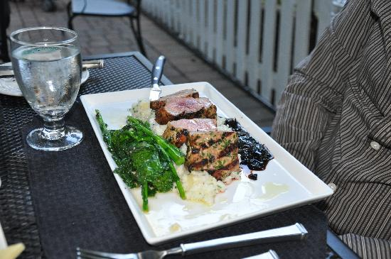 Basking Ridge, Nueva Jersey: pork loin dinner delicious