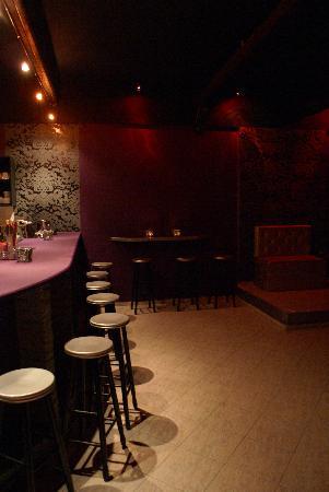 Orfeas Cafe-Bar: night bar