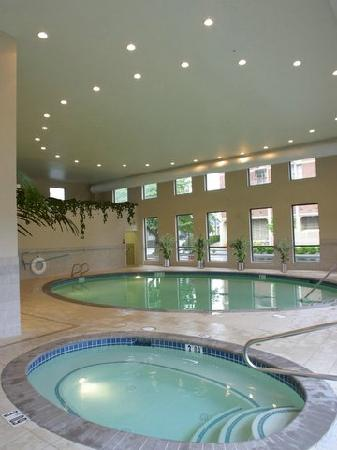 Crowne Plaza Portland-Downtown Convention Center: Swimming Pool and Spa