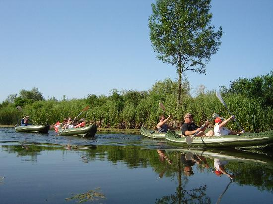 Burgas, Bulgarije: Kayak safaris for all.