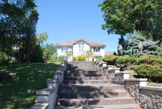 Villa Alexandrea Bed & Breakfast: La facciata della Villa
