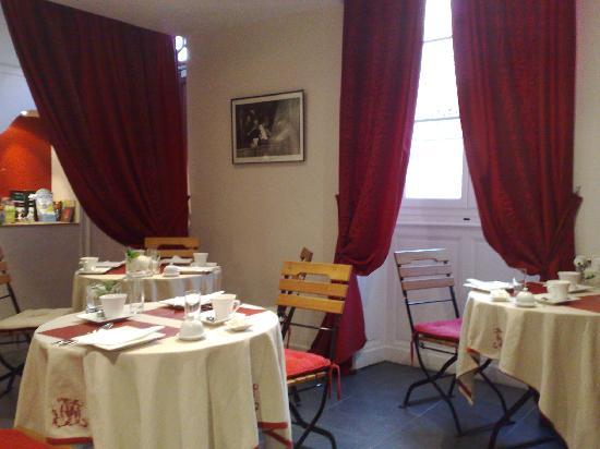 Hôtel Saint-Yves : Salle du Petit Déjeuner