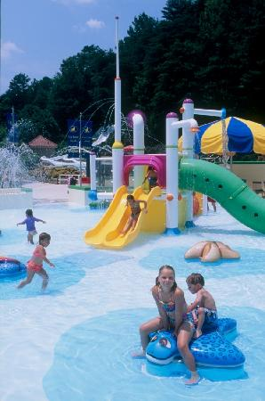 Buford, Джорджия: Fun for the little ones at Kiddie Lagoon at LanierWorld
