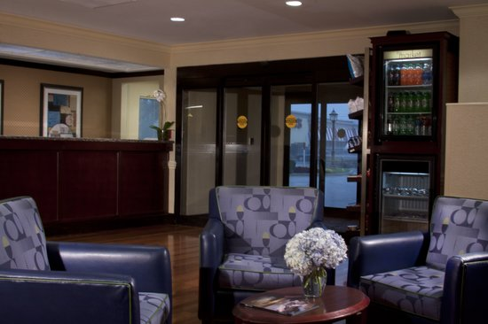 SpringHill Suites Jacksonville: Hotel Lobby