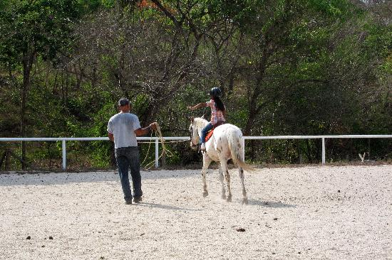 Playas del Coco, Kosta Rika: First riding lesson!