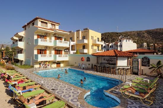 Ilios Studios : pool View