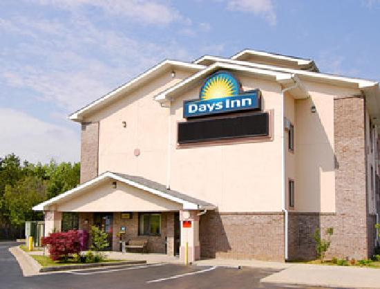 Days Inn Villa Rica: Front View