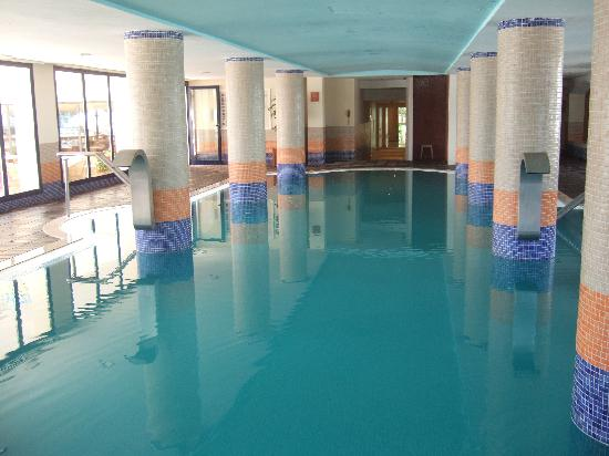 SENTIDO Castell de Mar: indoor pool
