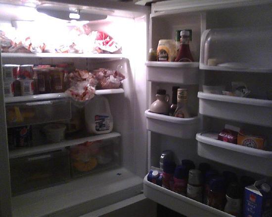 Palmer's Pinckney Inn: Inside refrigerator