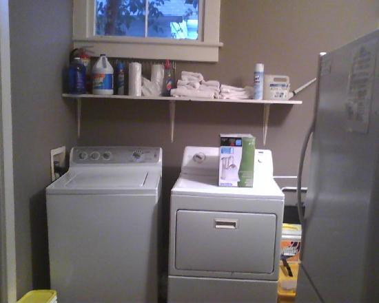 Palmer's Pinckney Inn: Laundry