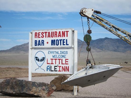 Little A'Le'Inn: Flying saucer