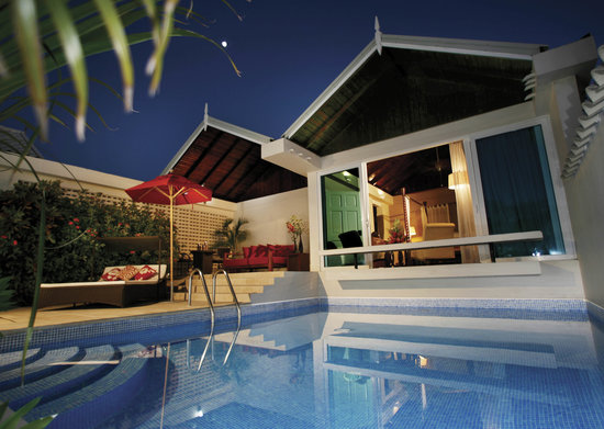 Spice Island Beach Resort: Luxury Almond Pool Suite