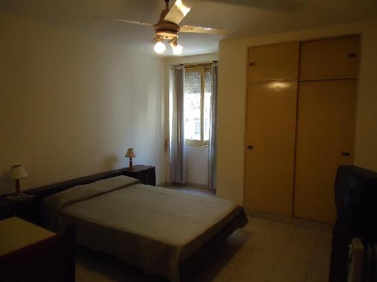 Hotel Dos Mundos : nuestra habitación