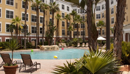 Residence Inn by Marriott Orlando Lake Buena Vista: Our outdoor, heated pool.