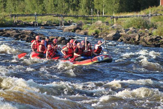 Rafting in Kukkolaforsen