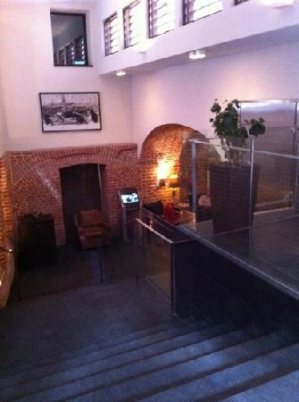 The Granary - La Suite Hotel: entrance to hotel