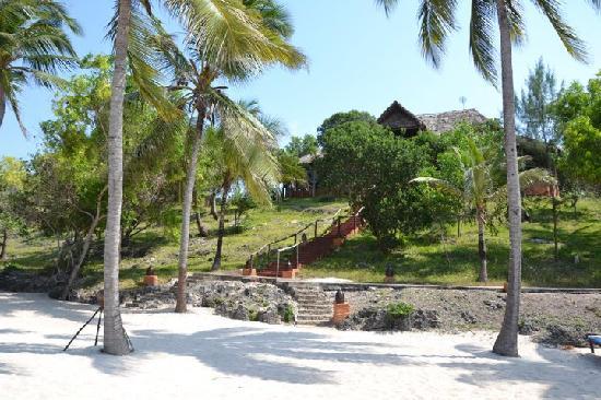 "Kichanga Lodge : Beautiful beach...but a long way up to the ""facilities""."