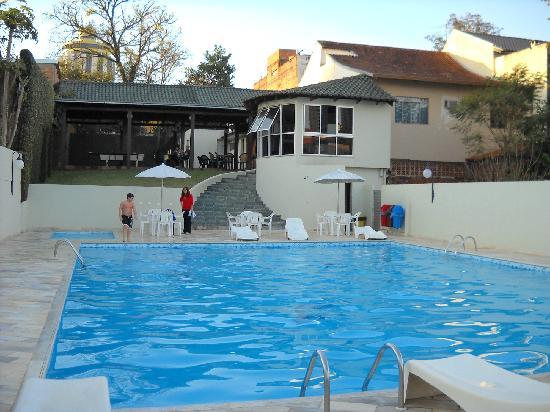 San Rafael Hotel: Vista del sector de pileta y  del espacio recreativo.Año 2011.