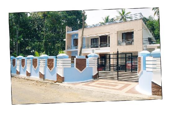 Periyar Villa Home Stay: FRONT VIEW PERIYAR VILLA